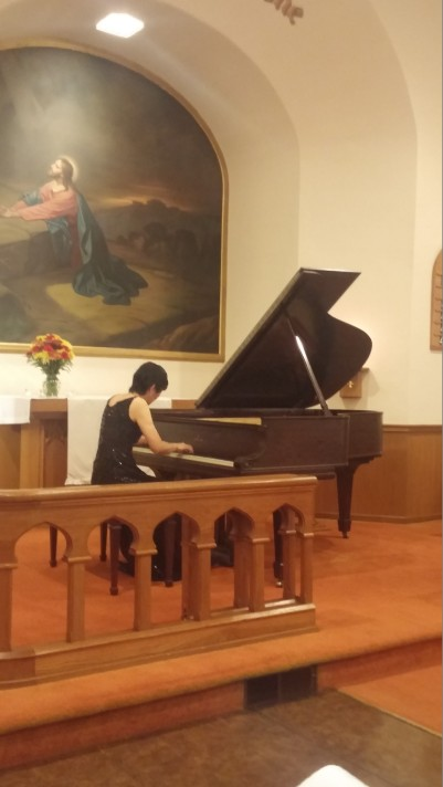 Shizue Sano plays a classical concert in Fall 2017